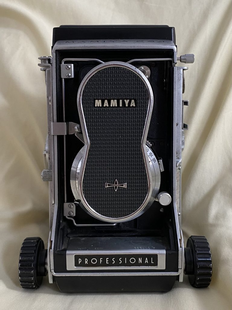 Most Affordable Medium Format Out C'here: Mamiya C33